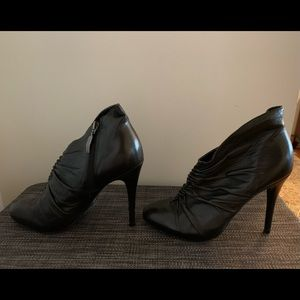 Guess black leather ankle stilettos boot